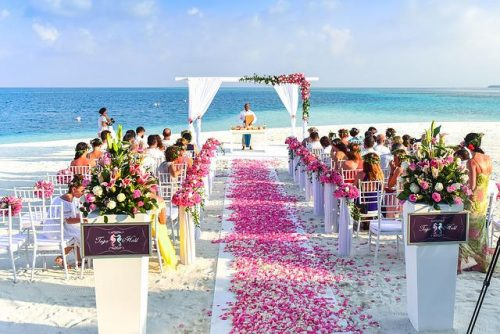 Beach wedding assembly