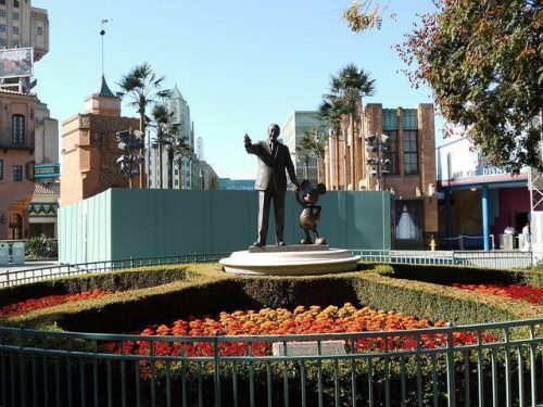 Disneyland sculpture of Walt Disney and Mickey.