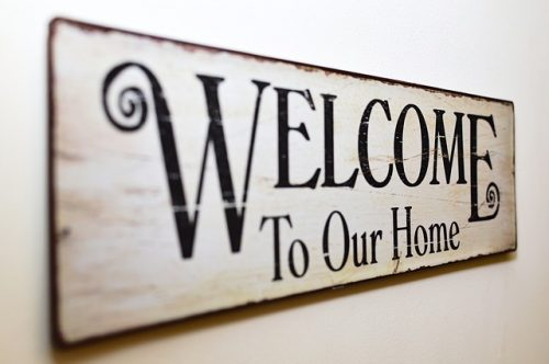 Sign: Welcome to Our Home, Image by Robert Fotograf from Pixabay